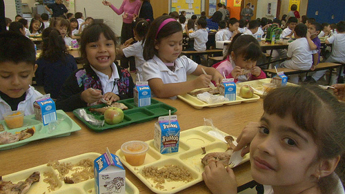 Chicago students enjoy a healthy school lunch created by Rachael Ray's Yum-o! non-profit organization