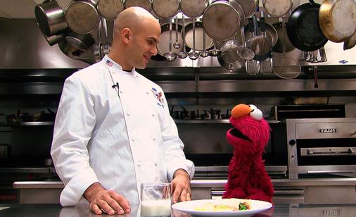 Elmo Visits the White House Kitchen