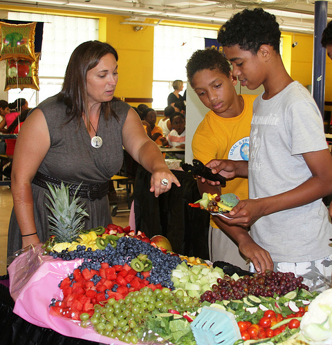 Students Try New Fruits and Vegetables