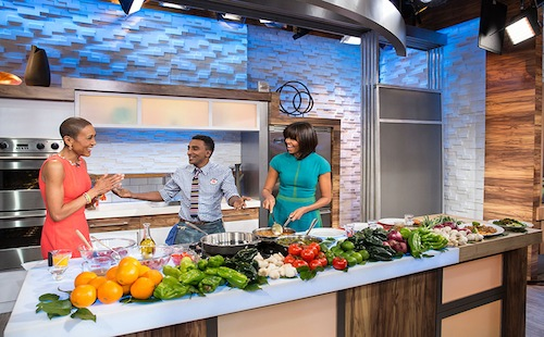 Michelle Obama in the kitchen with Robin Roberts and Marcus Samuelsson