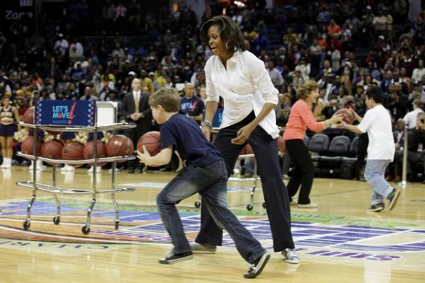 FLOTUS and a Let's Move! Pre-Game participant at the CIAA Tournament