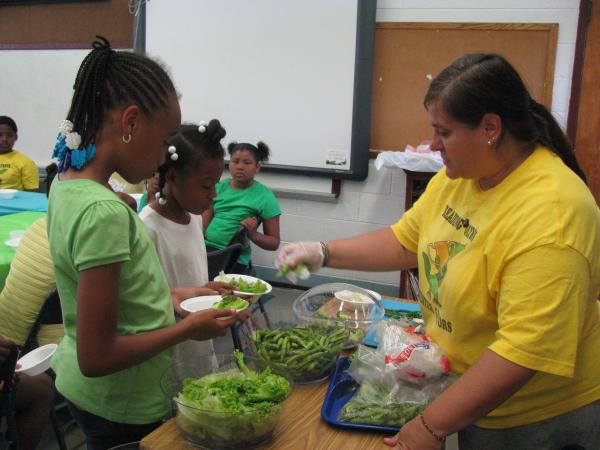 Stetser Elementary eating Healthy